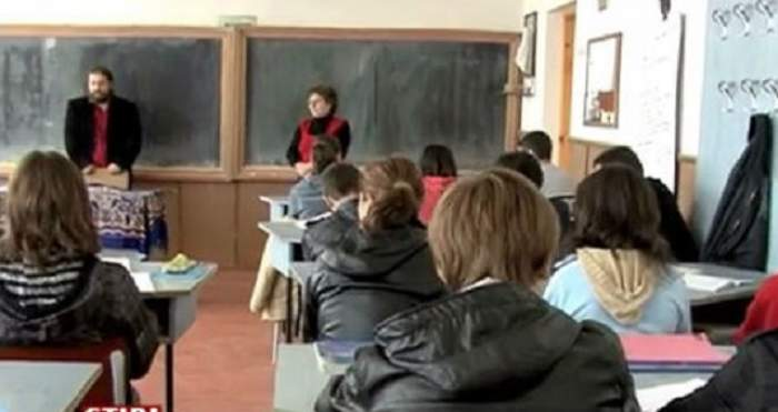 Ca la noi, la nimeni! La ce metodă a apelat directoarea unui liceu din Lugoj, pentru a le pune beţe-n roate elevilor chiulangii