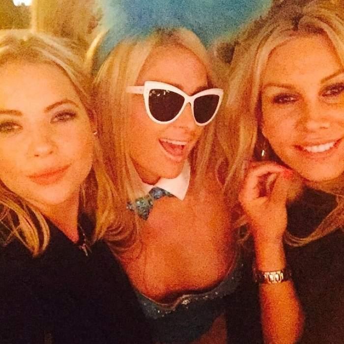 FOTO / Ce kinky! Paris Hilton, iepuraș Playboy, la petrecerea de Halloween