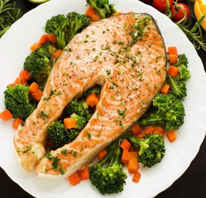 REŢETA ZILEI - LUNI: Somon cu broccoli