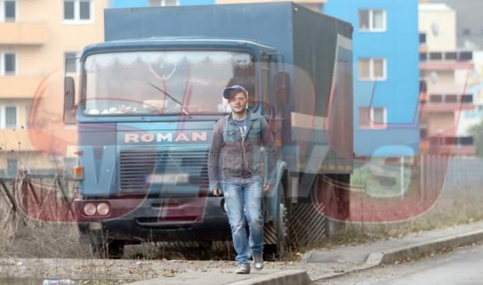 VIDEO / Ce a făcut Liviu Vârciu, în prag de iarnă, la vilă! Paparazzii Spynews l-au prins în fapt! A fost singura soluţie ca să împiedice dezastrul!