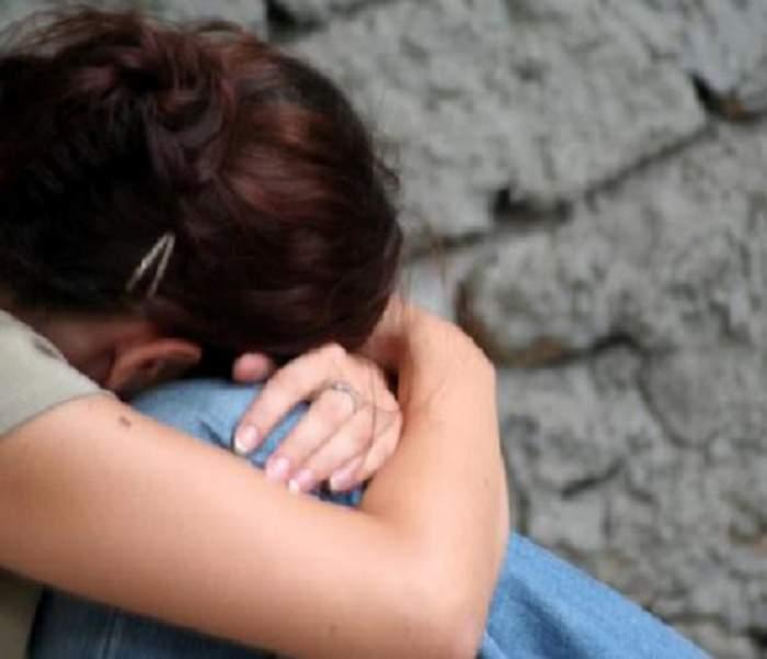 Tânără din Vaslui, batjocorită şi violată de şapte băieţi