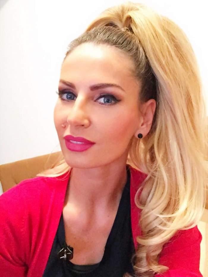 Andreea Bănică, INTERVIU inedit acordat prietenilor virtuali! Frumoasa blondă le-a satisfăcut toate curiozităţile