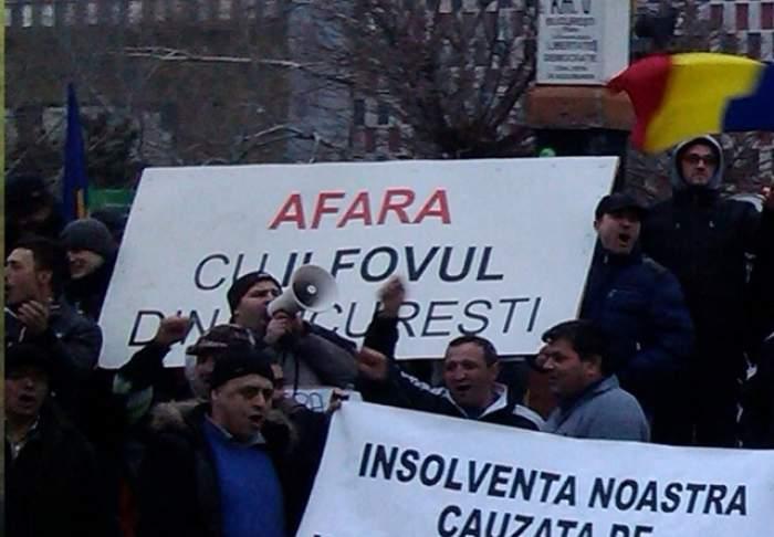 """Taximetriştii blochează Capitala din cauza """"piraţilor""""!"""