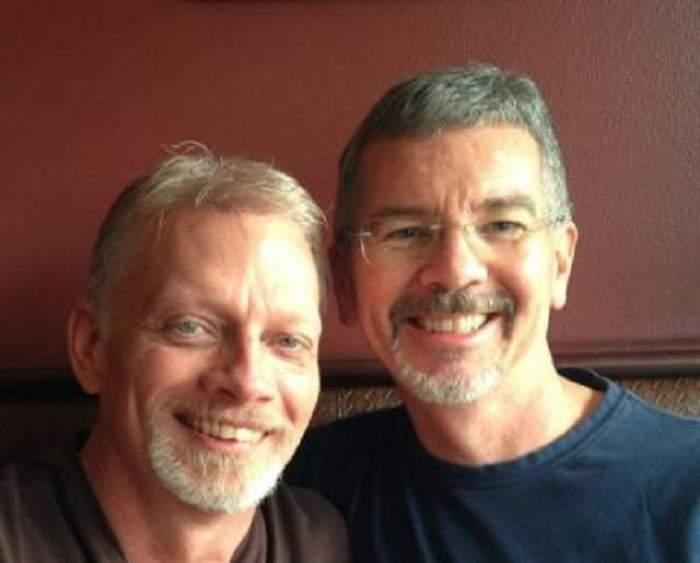John Smid a susţinut cu îndârjire că atracţia între partenerii de acelaşi sex poate fi stopată, dar s-a căsătorit cu... un bărbat