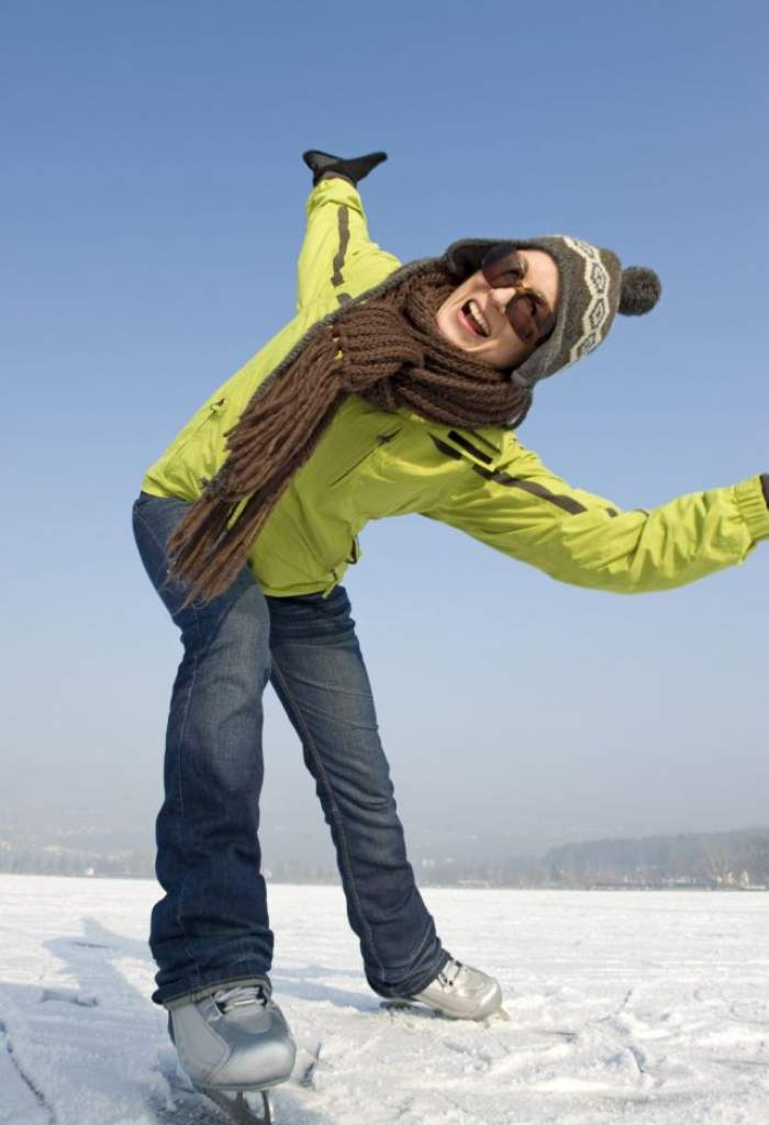 Iată de ce trebuie să faceţi sport şi iarnă