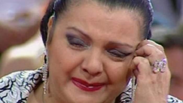 """Cornelia Catanga, îngenuncheată de durere de la moartea mamei sale! """"Nici în ziua de azi nu ştiu de ce a murit!"""""""