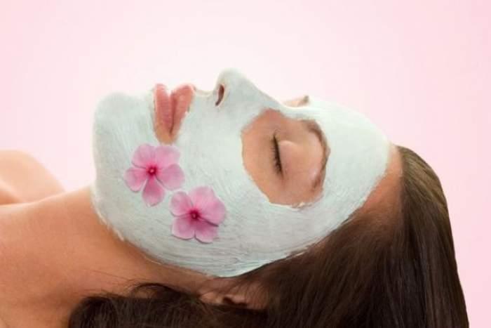 Mască naturală împotriva punctelor negre! Scapi de ele în 10 minute fără durere