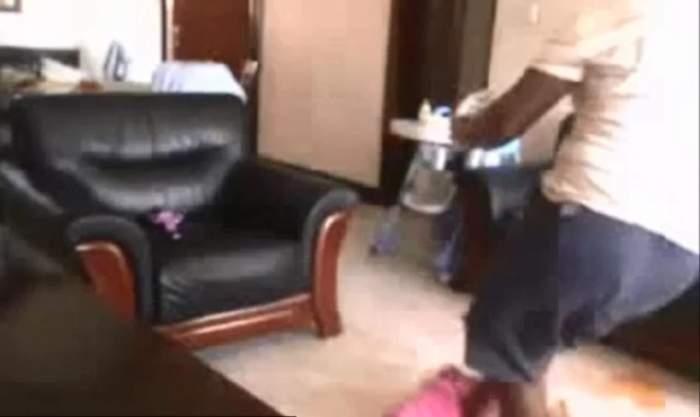 VIDEO / Şocant! O dădacă loveşte cu bestialitate un copil de 2 ani
