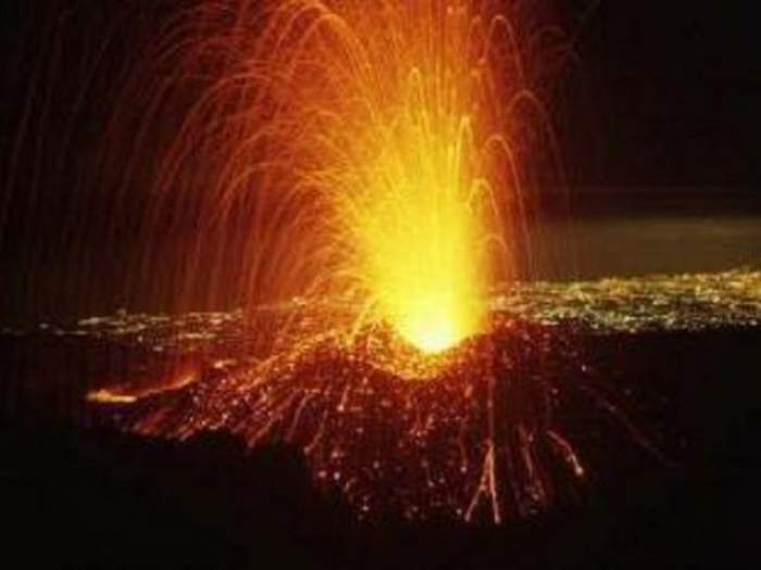 Vulcanul Aso din Japonia a erupt! Muntele, vizat de alertă de gradul 2