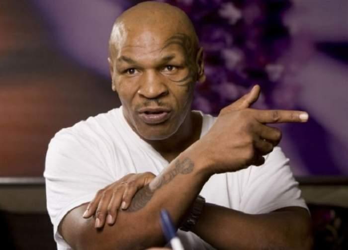 Ce lovitură a primit boxerul român antrenat de Mike Tyson!