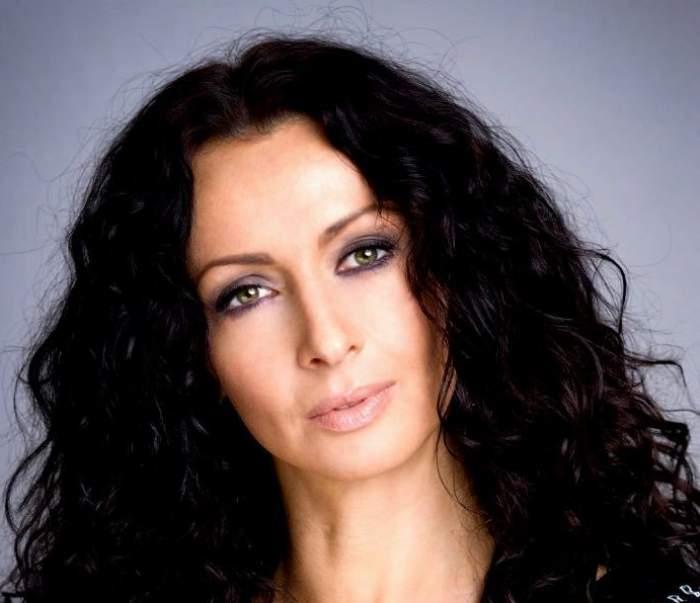 """Mihaela Rădulescu a dezvăluit secretul """"pătrăţelelor"""" sale! Ce face pentru un abdomen de fier"""