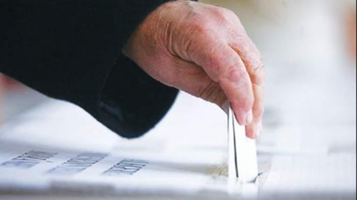 Alegeri prezidenţiale 2014  / Avem REZULTATELE FINALE la prezidenţiale! Victor Ponta 40,33%, Klaus Iohannis 30,44%
