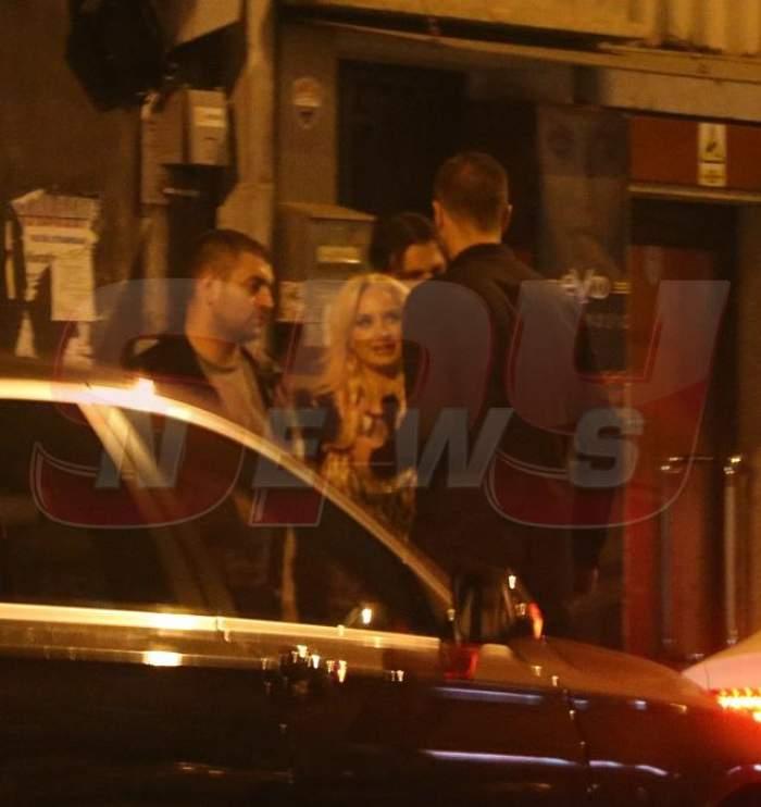 Simona Trașcă și-a scos iubitul în lume! Uite-i cum își termină băutura în fața clubului unde și-au petrecut noaptea