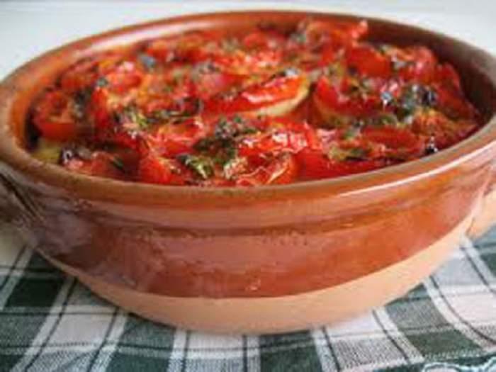 REŢETA ZILEI - MARŢI: Mâncare de ardei copţi