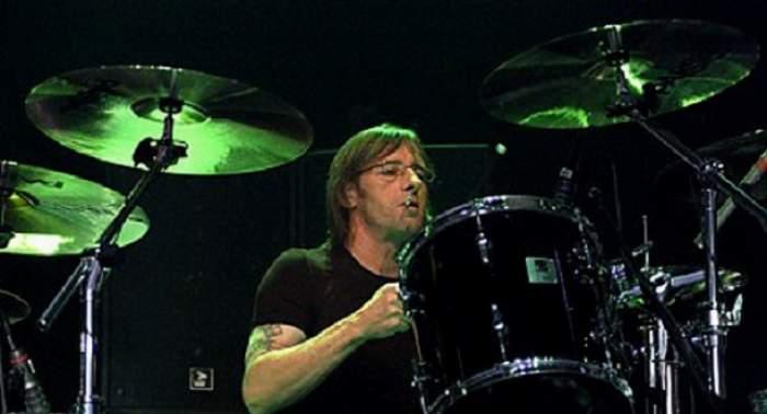 VIDEO / Veste CUMPLITĂ pentru trupa rock AC/DC! Phil Rudd a fost închis pentru tentativă de omor