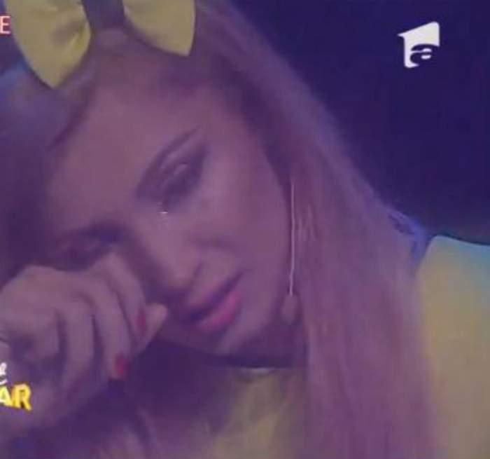 """VIDEO / Clipe emoţionante pentru Lora la """"Next Star""""! Amintirea tatălui ei a făcut-o să izbucnească în plâns"""