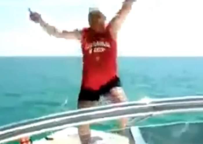 VIDEO / Ce penibil! Ce a făcut un bărbat după ce s-a îmbătat mangă pe yacht
