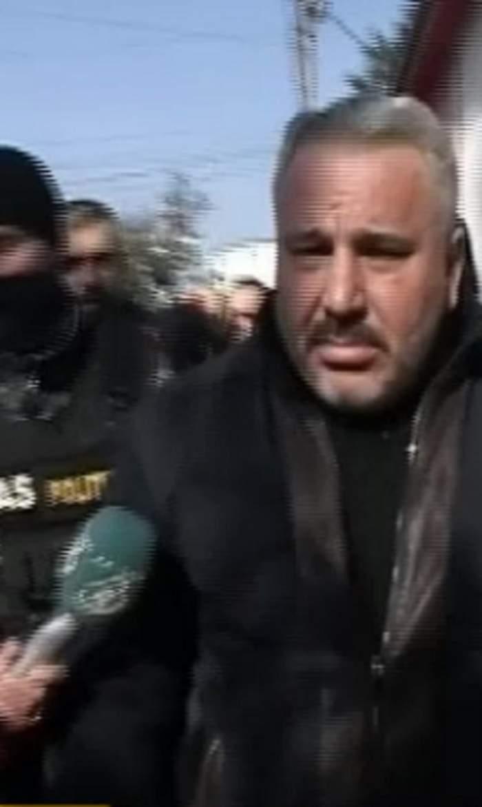 Interlopului Sile Cămătaru i s-a făcut rău la audieri! Ambulanța a venit în fața secției de poliție
