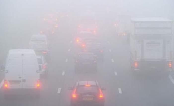 ATENŢIE şoferi! Meteorologii anunţă COD GALBEN de ceaţă! Iată zonele cu restricţie
