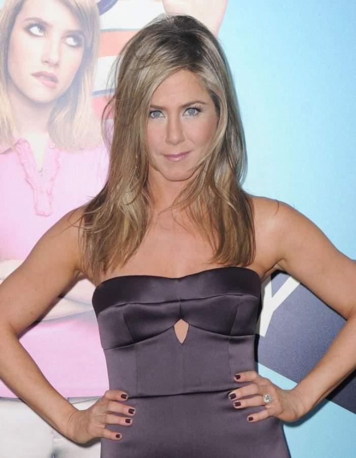 Ce s-a rotunjit! Jennifer Aniston a pierdut lupta cu kilogramele