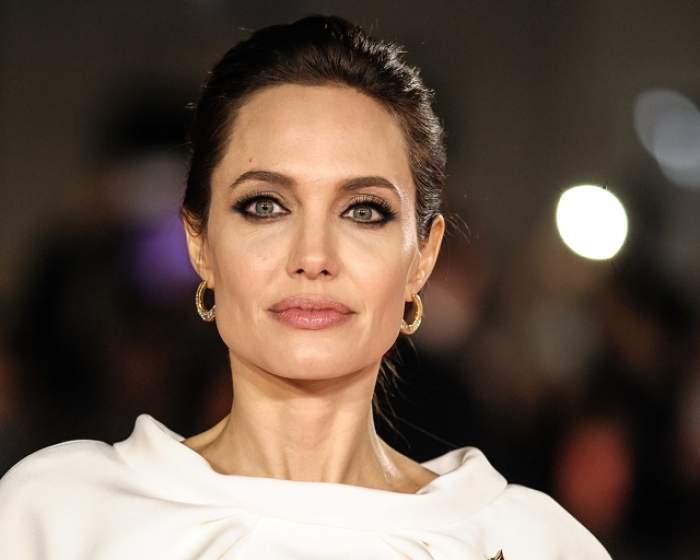 Angelina Jolie avut un accident de maşină. O explozie s-a declanşat la scurt timp după impact