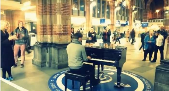 VIDEO / Ne-a făcut mândri că suntem români! Gestul impresionant făcut de un bărbat într-o gară din Amsterdam