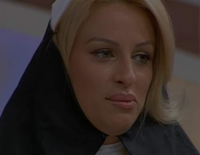 """Sânziana Buruiană s-a """"călugărit""""! Cum îi stă îmbrăcată în straie bisericeşti extrem de sexy"""