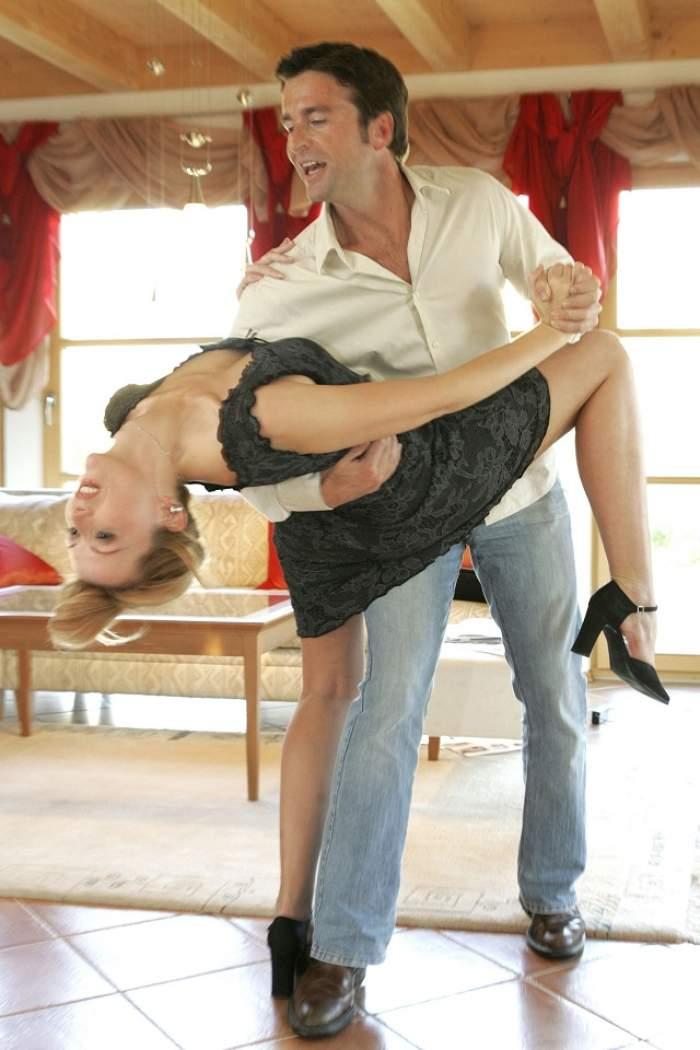SEX pe ritmuri de dans! Un instructor de dans a făcut orgii cu elevele sale