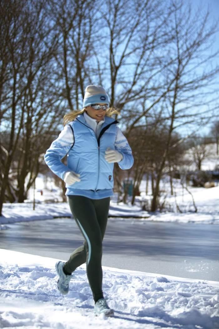 De ce e bine să faci exerciţii afară iarna