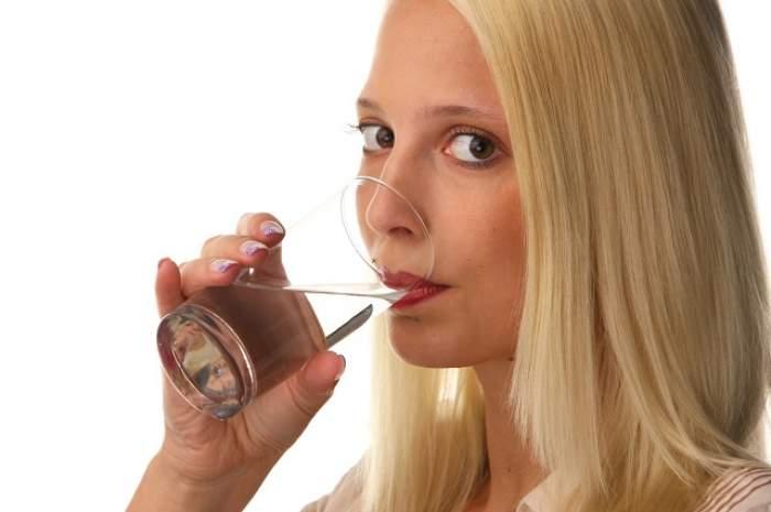 Cea mai simplă dietă din lume te poate UCIDE! Cura de slăbire cu apă, pericol maxim