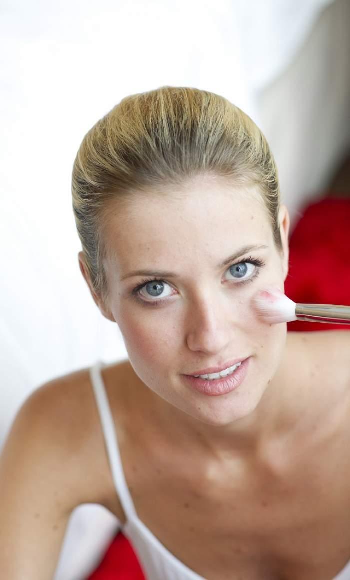 Vrei să ai ochii mai mari şi mai seducători? Iată câteva trucuri de machiaj care te vor ajuta