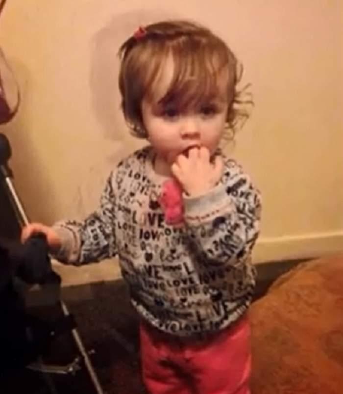 VIDEO / Tom şi Jerry au omorât-o! O fetiţă de 2 ani a rămas fără suflare din cauza personajelor ei preferate
