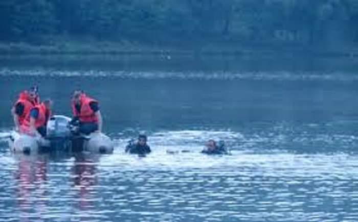 Tragedie în Teleorman! O fetiţă de trei ani a fost luată de apele unui pârâu! Toţi o caută disperaţi