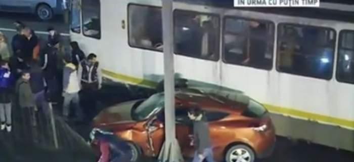 Panică pentru călătorii RATB din Capitală! Un tramvai a sărit de pe şine în Pasajul Victoriei