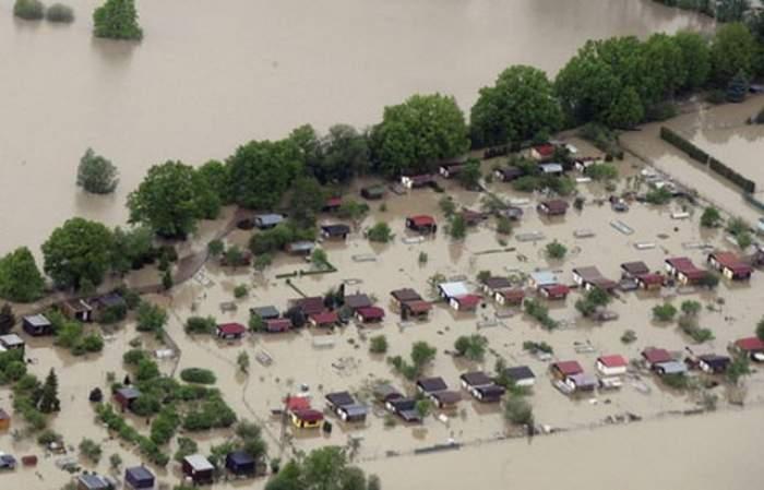 E prăpăd! Codul portocaliu de inundaţii, extins în zece judeţe din sud