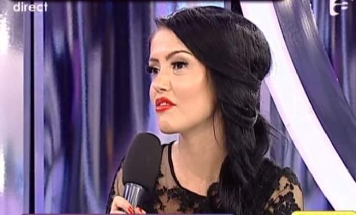VIDEO Andreea Mantea se dezbracă în faţa ta! Bruneta a arătat unde s-a operat, în direct