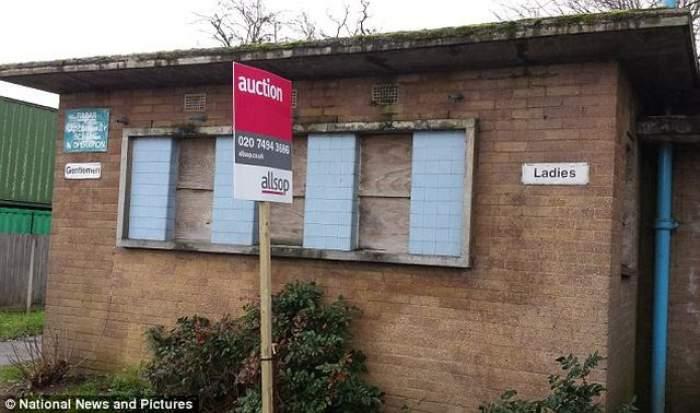 Ne-am făcut iar de râs! 15 români au trăit timp de 2 săpămâni într-un WC public din Londra!