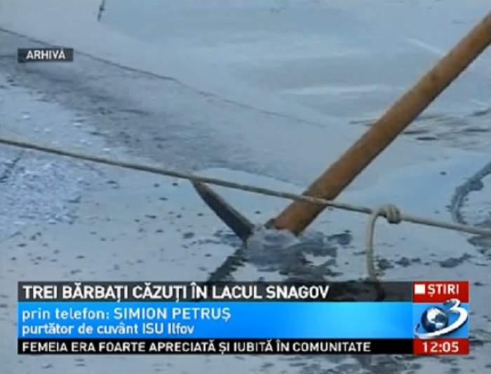 VIDEO Trei bărbaţi care încercau să traverseze lacul Snagov au căzut în apă