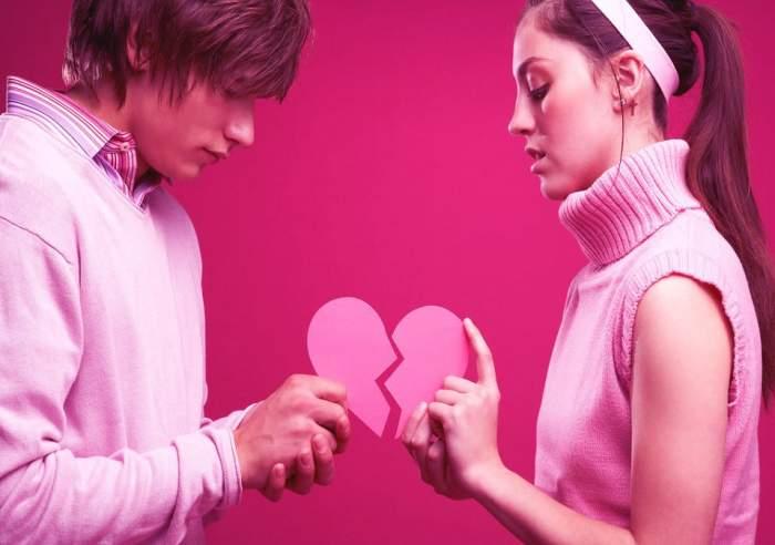 Gest halucinant! Un chinez i-a împiedicat pe îndrăgostiți să stea unul lângă celălalt la cinema de Valentine's Day!