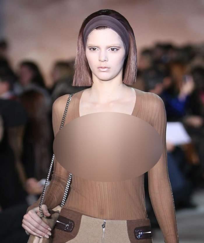 Sora frumoasei Kim Kardashian defilează în sânii goi! Uite cât de sexy este pe catwalk