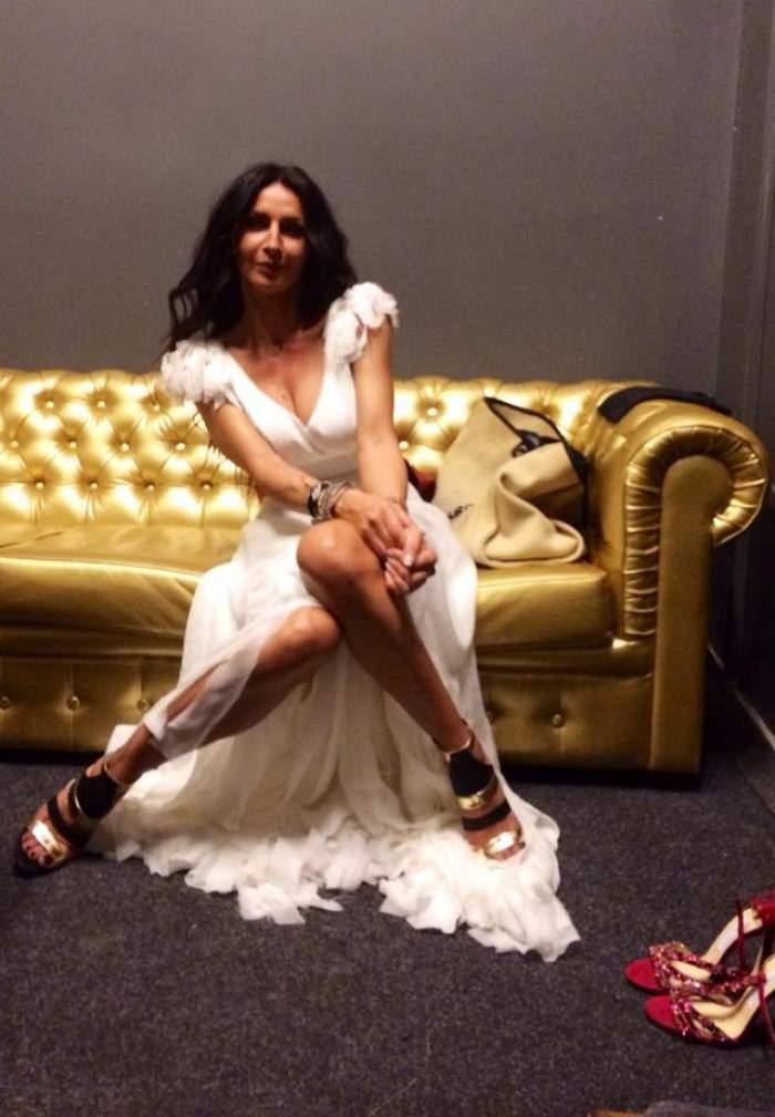 Mihaela Rădulescu apare în ţinute spectaculoase! Talia de viespe şi sânii imenşi fac furori pe net
