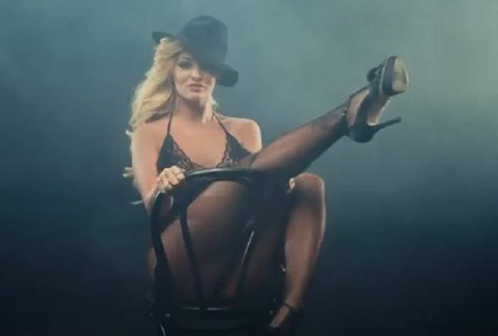 """VIDEO Delia a lansat clipul melodiei """"Ipotecat""""! Uite cât de sexy e blonda, îţi place videoclipul?"""