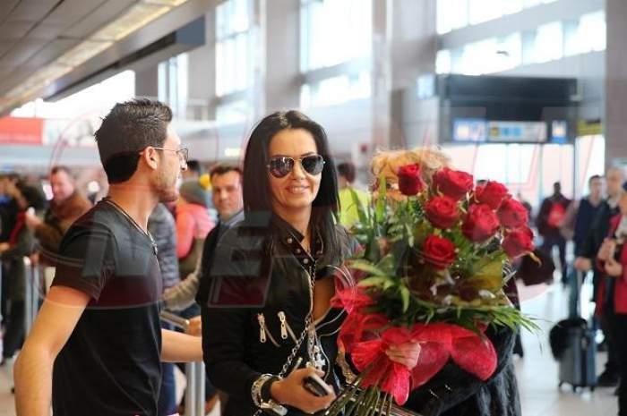 VIDEO de senzaţie! Oana Zăvoranu şi Tomer s-au întors împreună din vacanţă! N-ai să crezi cine i-a aşteptat la aeroport