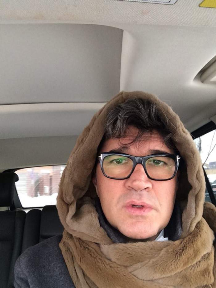 """Cum înfruntă milionarii frigul! """"Regele imobiliarelor"""" poartă pe cap nevăstuică de 5.000 E! Şi nu este căciulă..."""