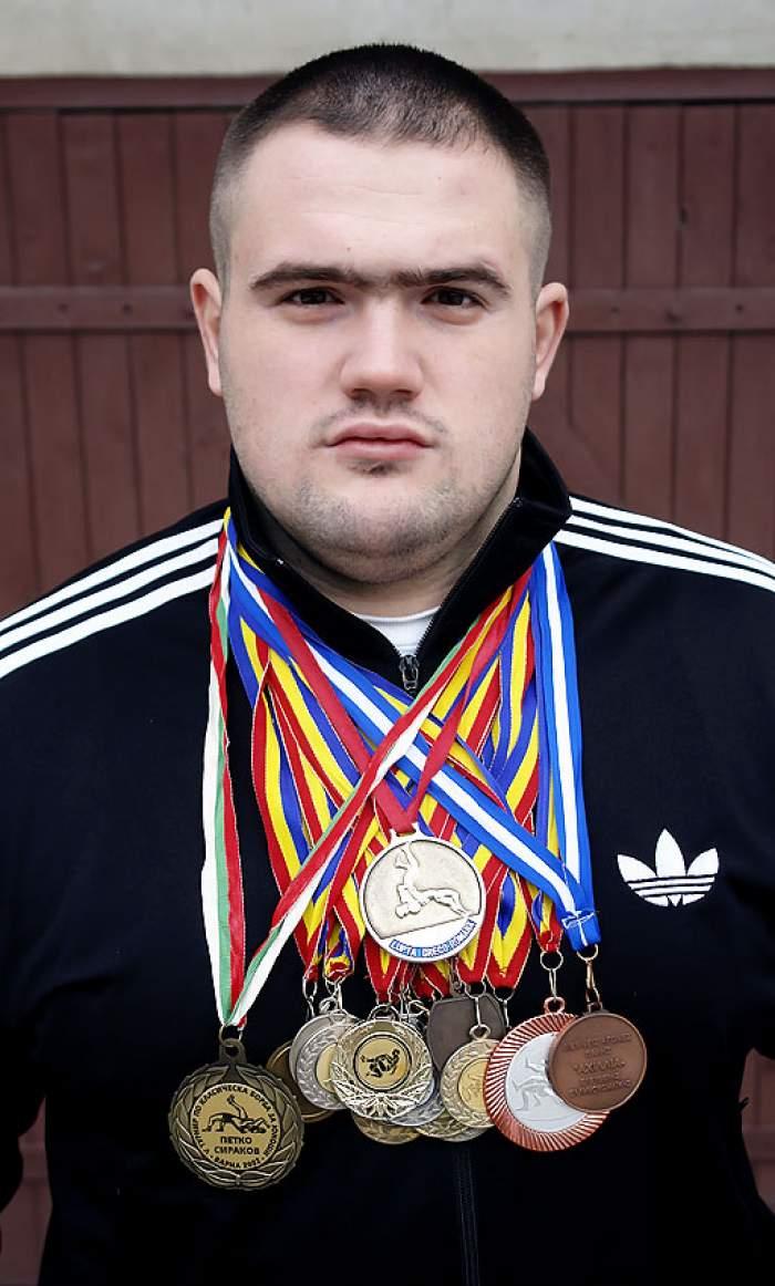 Luptătorul de MMA Gheorghe Ignat a fost trimis în judecată, după ce a fost prins furând din bancomate