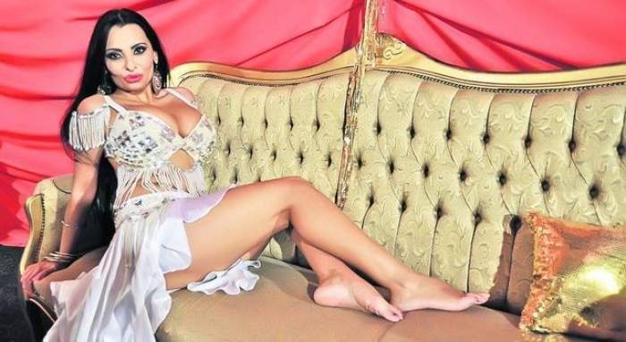 """VIDEO Dansatoarea Mona e în carantină: """"Mă mănâncă în..."""""""