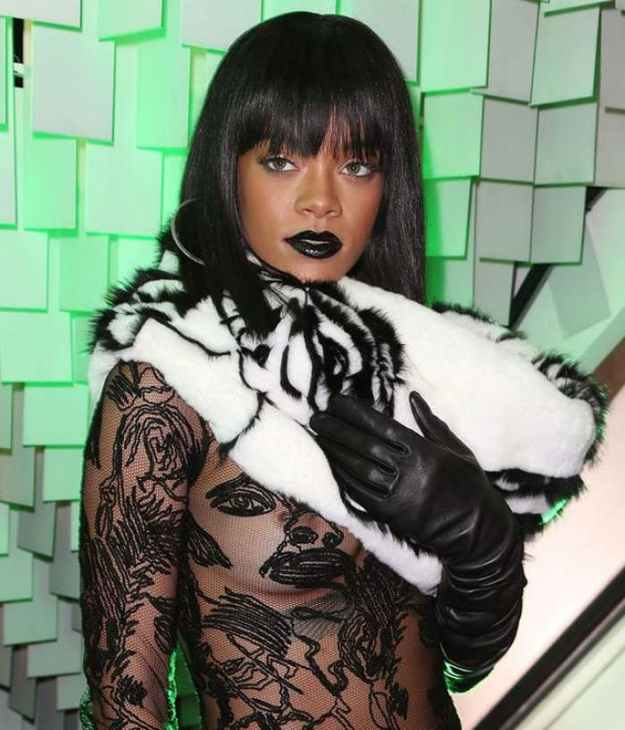 Aşa ceva?! Rihanna şi-a bătut un cui în... sfârc