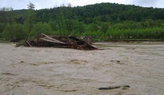 Hidrologii avertizează: COD PORTOCALIU de inundaţii