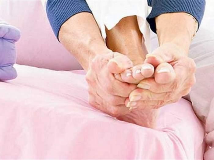 Atenţie! Ce probleme de sănătate ne sunt dezvăluite atunci când picioarele sunt reci, amorţite, inflamate sau unghiile sunt îngroşate