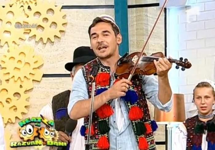 VIDEO Provocarea care va rămâne în istoria televiziunii! Răzvan cântă ca un maramureşean adevărat!